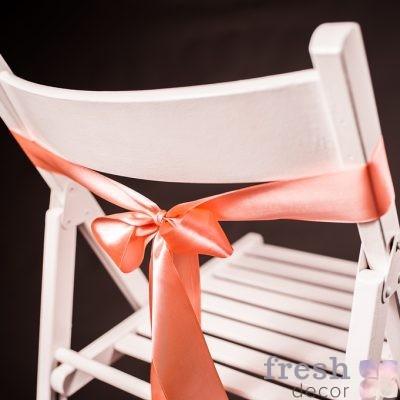 лента на стул персикового цвета