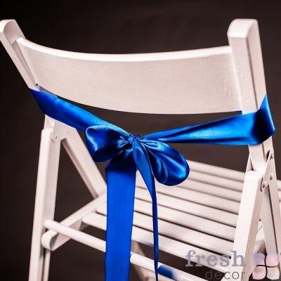 лента на стул синего цвета