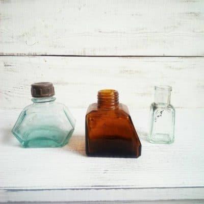чернильница из голубого стекла