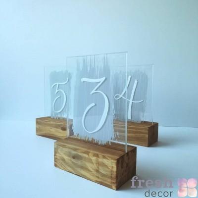 номерки стеклянные на деревянной подставке